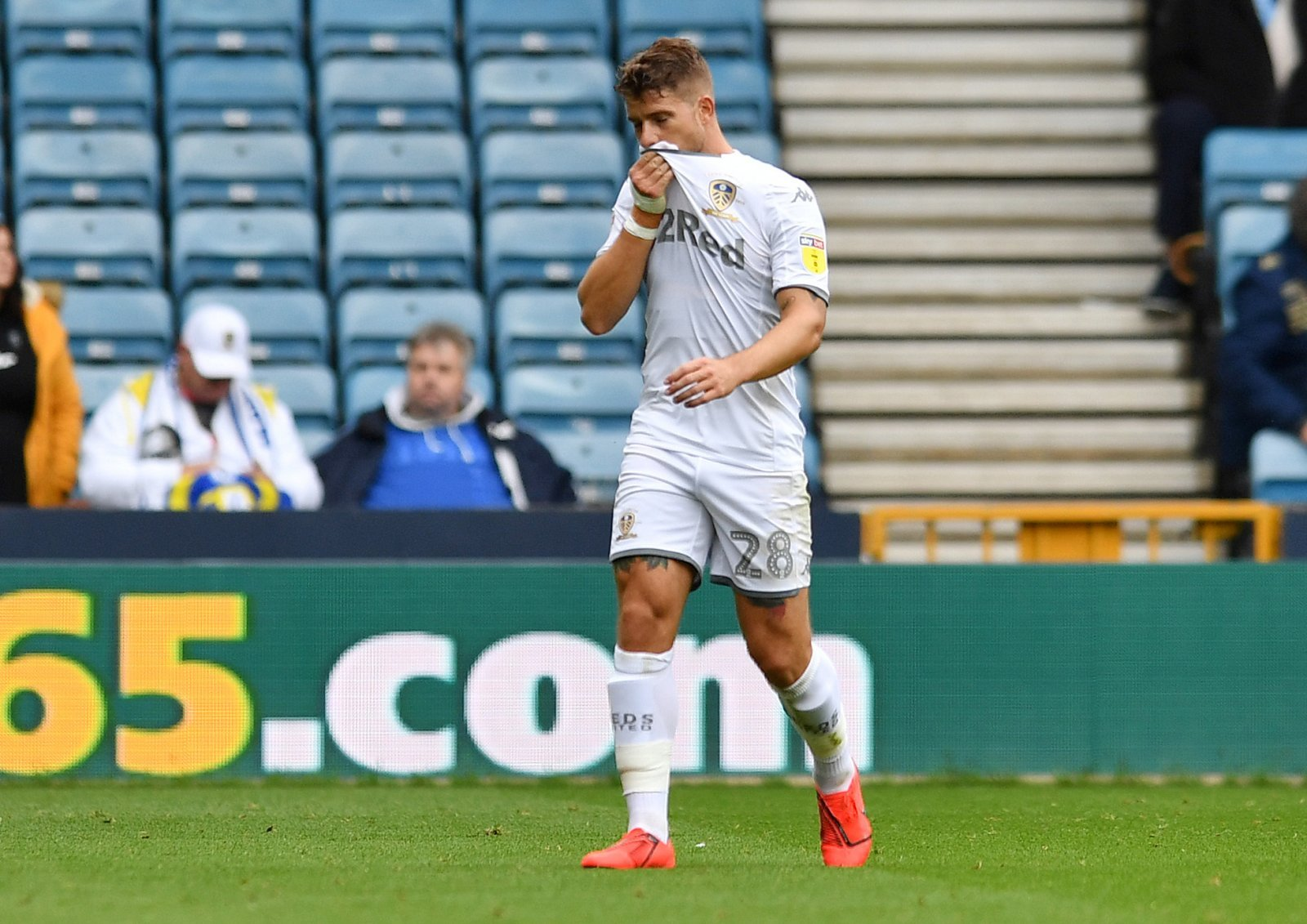 Leeds United: Fans hope Championship side part ways with 2020-free agent Gaetano Berardi
