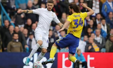 Leeds United's Mateusz Klich in action with Birmingham City's Ivan Sunjic Action