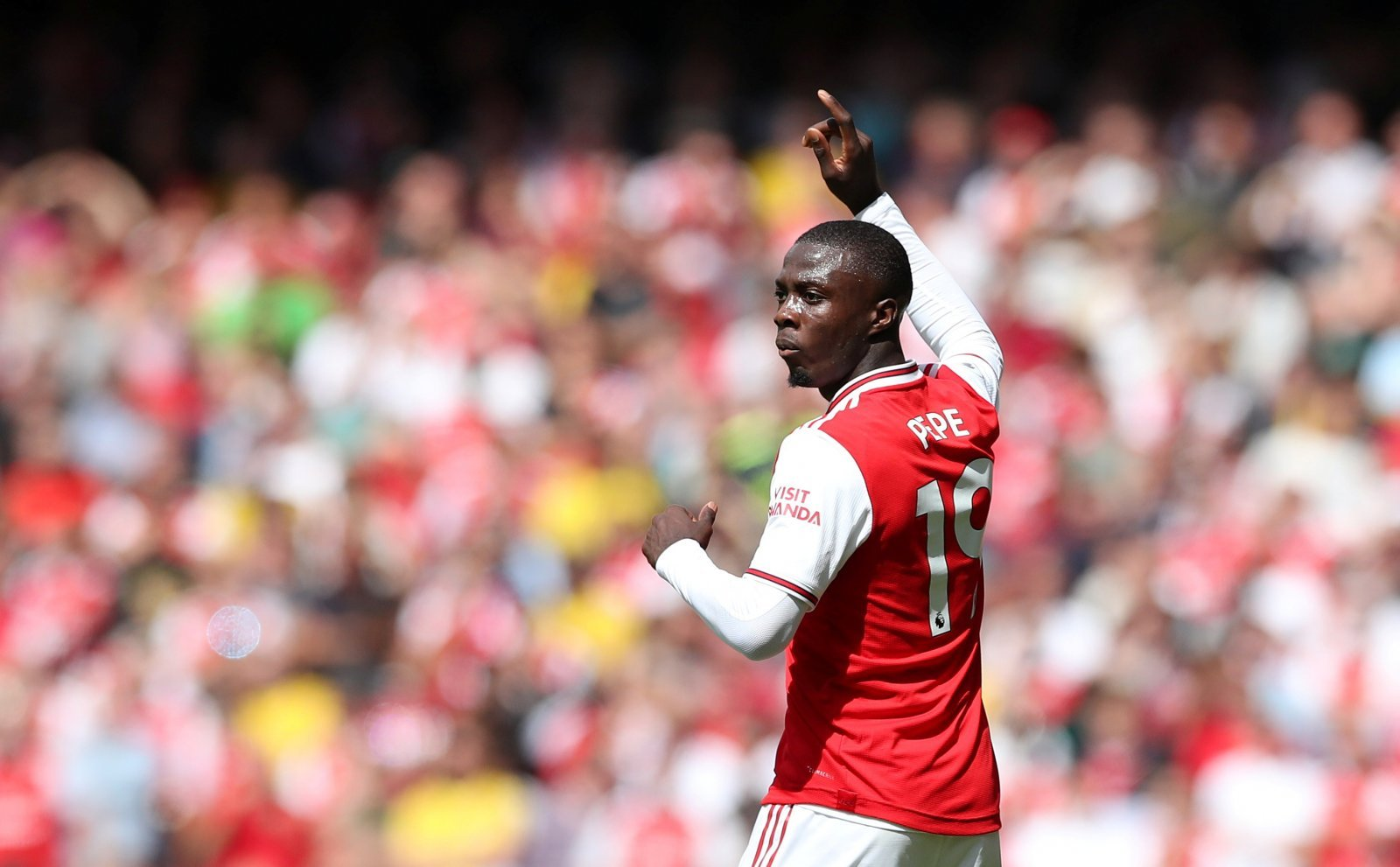 Arsenal: Fans stand by Nicolas Pepe after 'chances created' tweet
