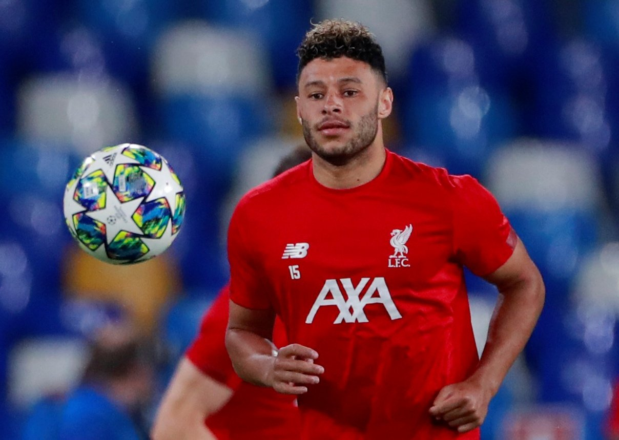 Liverpool: Fans want Alex Oxlade-Chamberlain to start against Manchester United