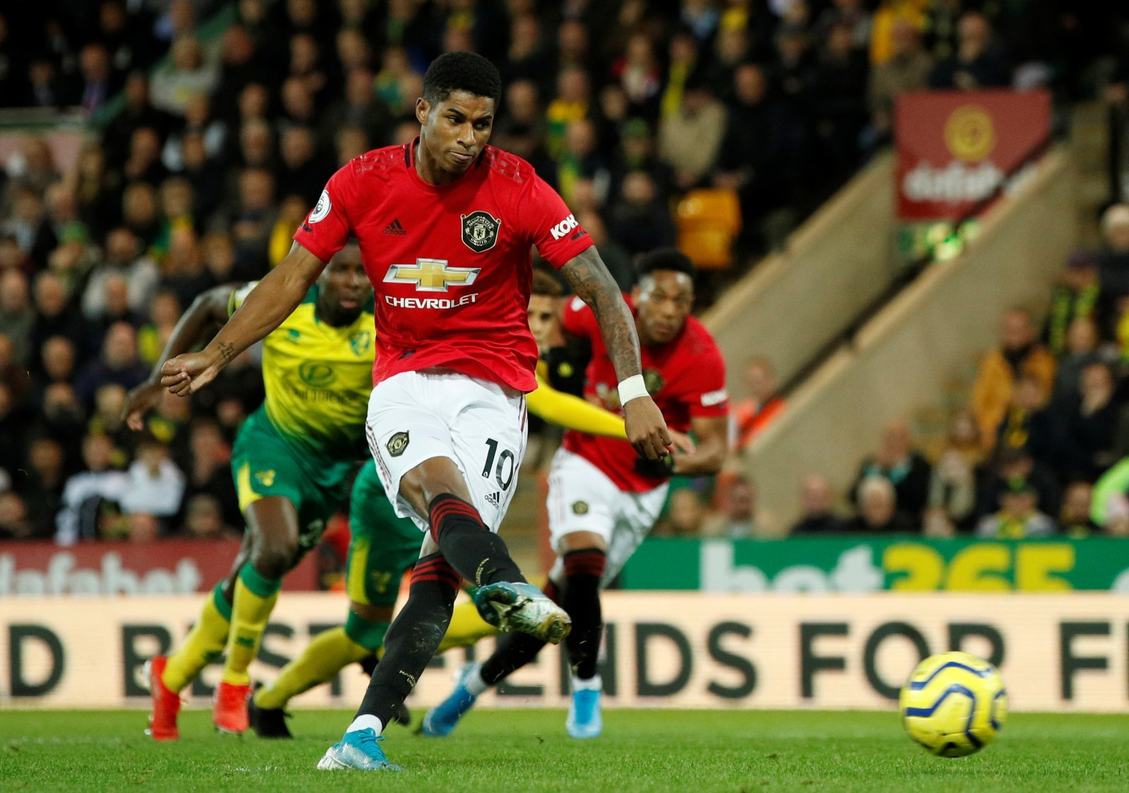 Manchester United: Fans hail Marcus Rashford after Player of the Month win