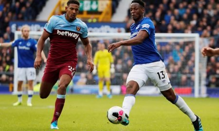 West Ham United's Sebastien Haller in action with Everton's Yerry Mina
