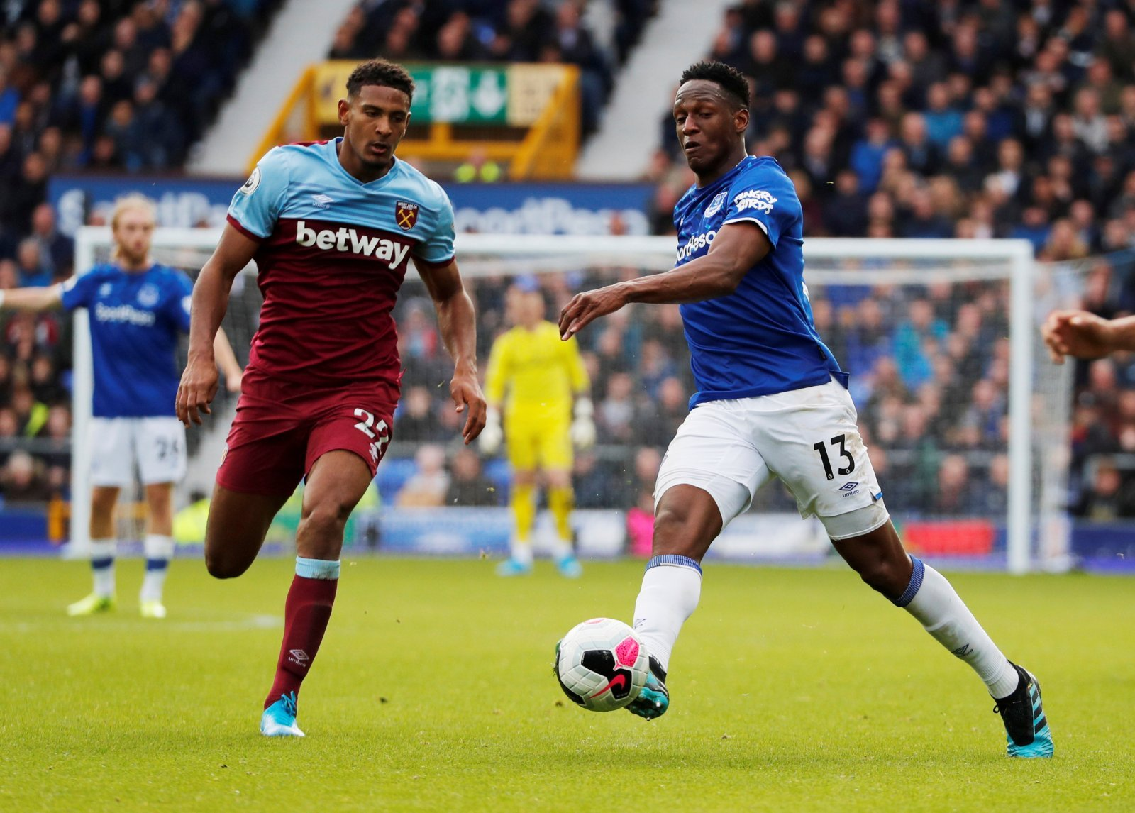 Unsung Hero: Everton's Yerry Mina overlooked in Marco Silva's must-win game with West Ham United