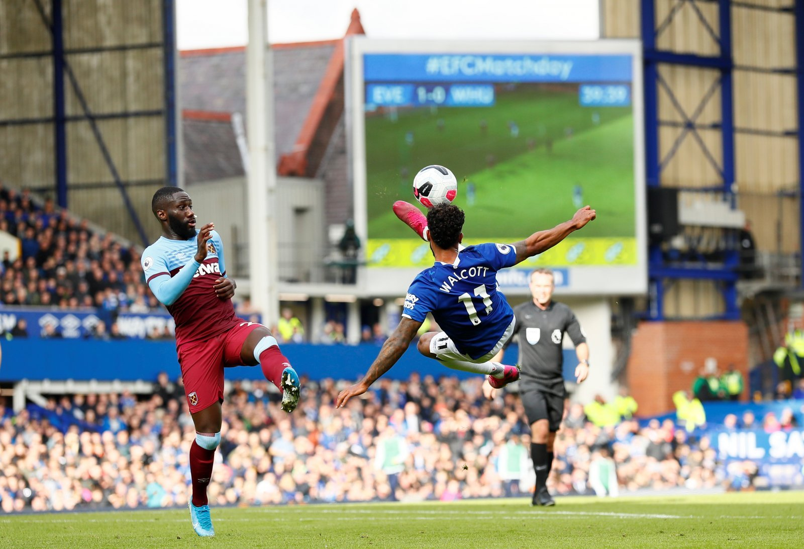 Everton: Fans react to incredible Theo Walcott statistics from West Ham win