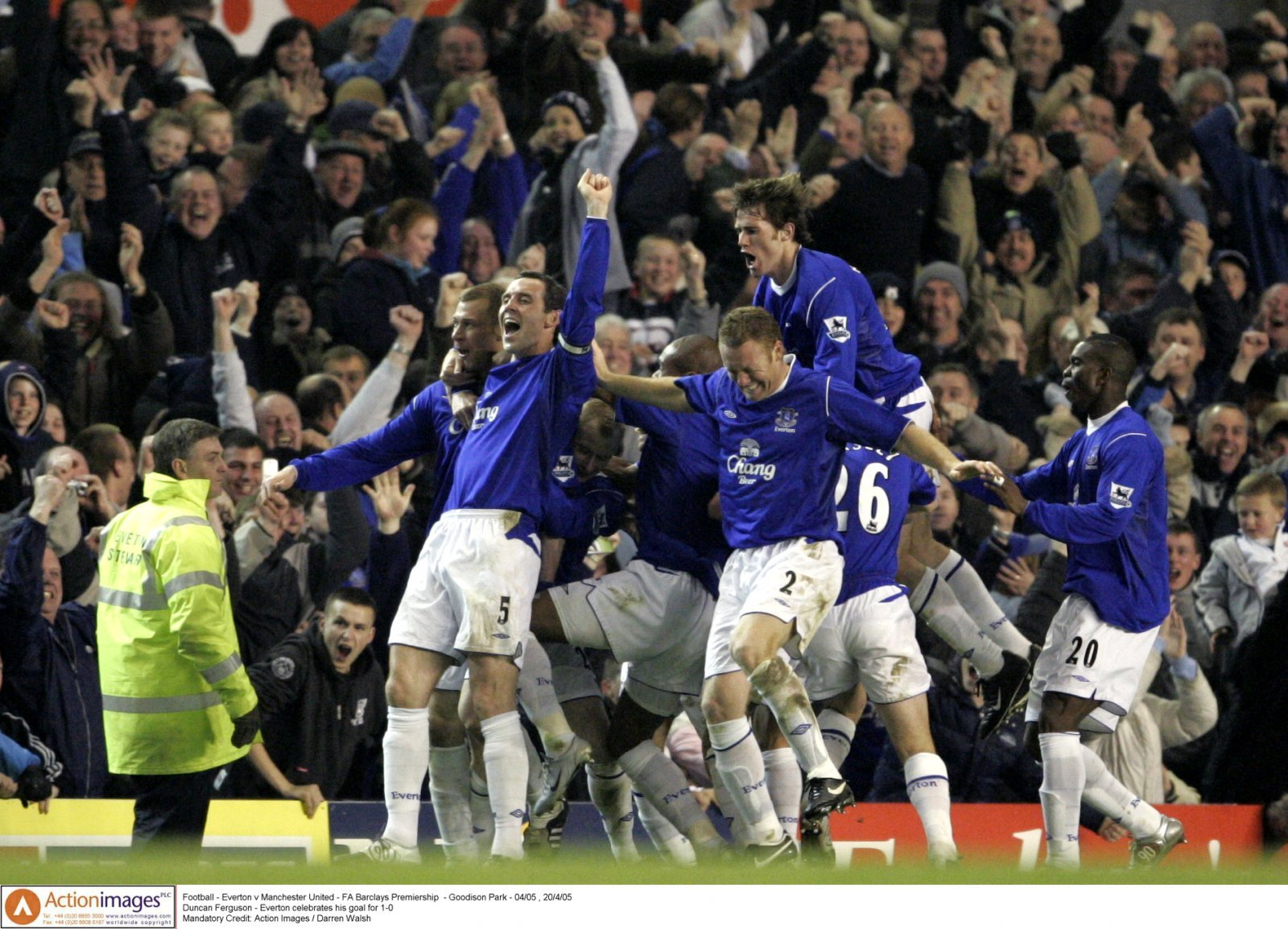Everton: Fans look back on famous win vs Manchester United