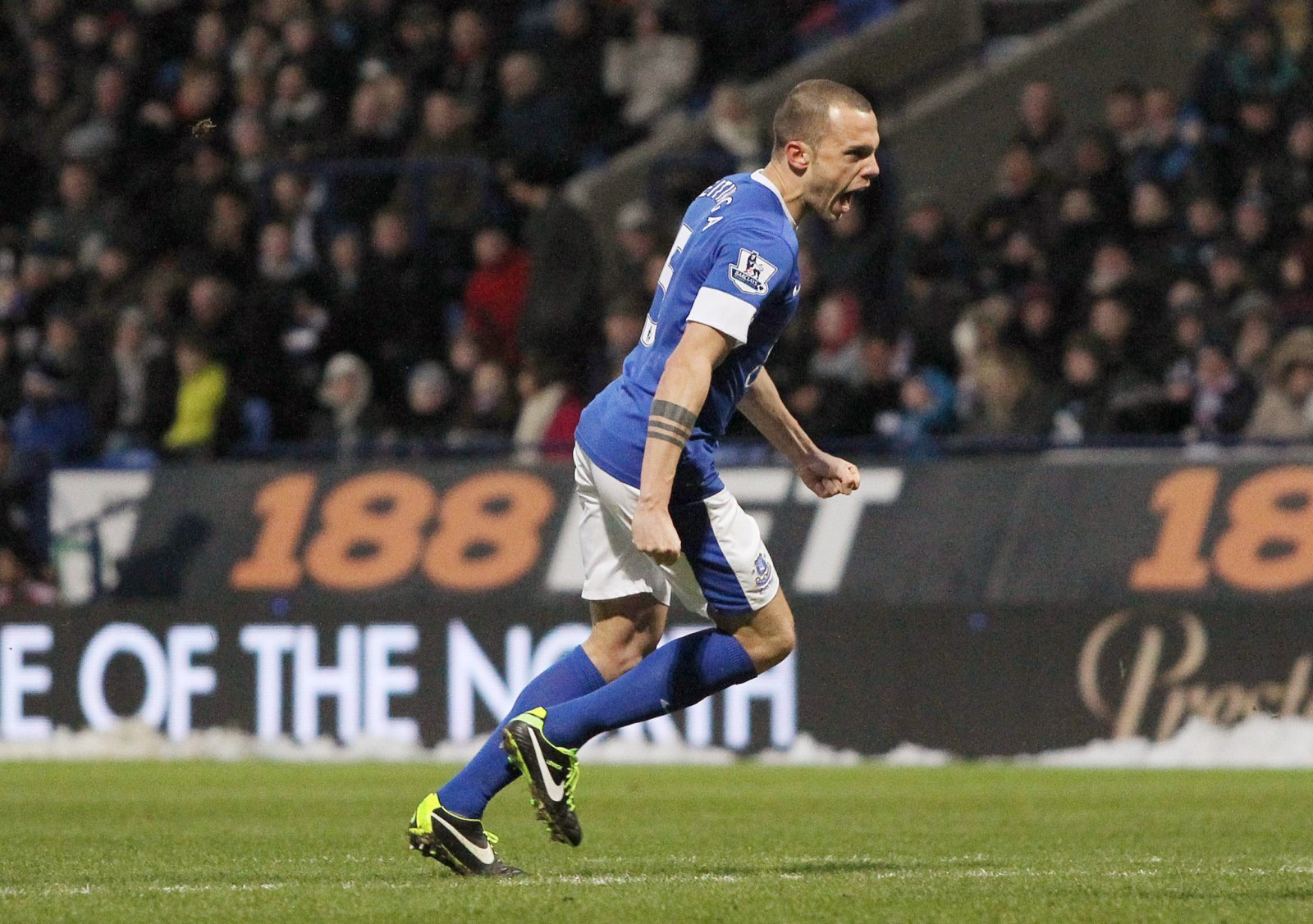Everton: Fans wish John Heitinga a happy birthday and look back at 2013 Bolton goal