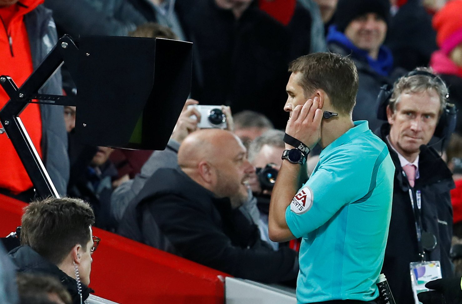 Liverpool: Fans react to how Premier League table would look without VAR