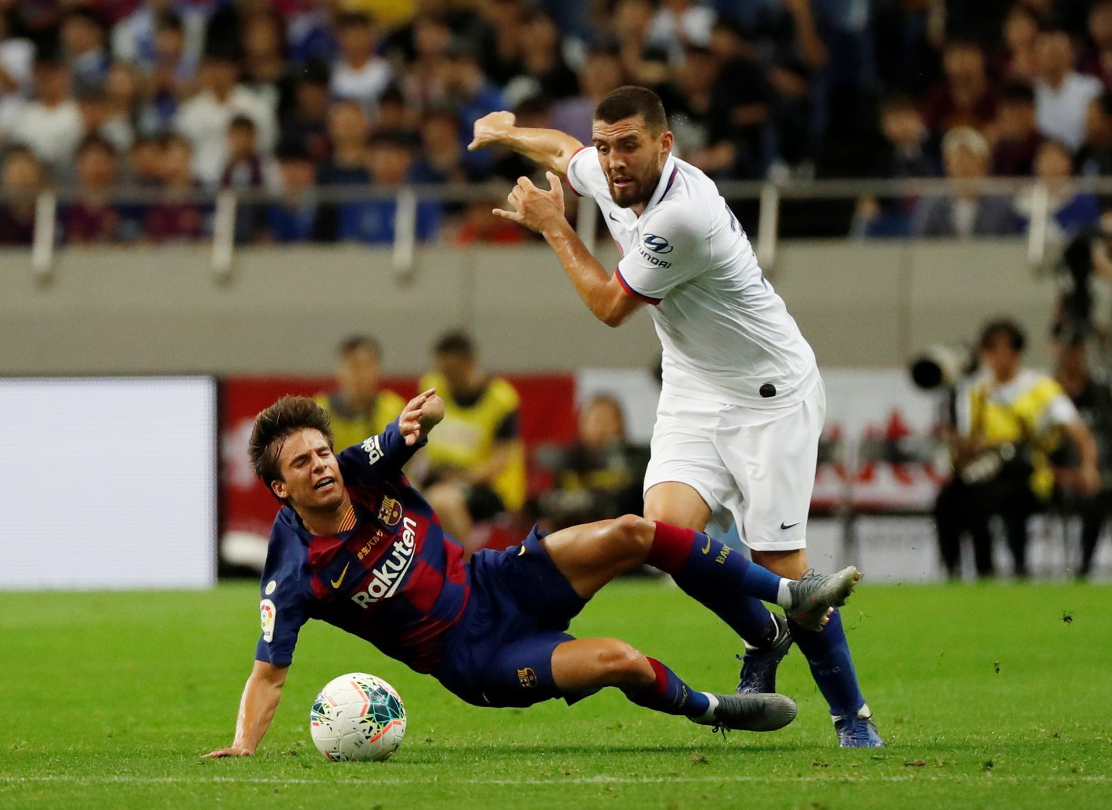 Tottenham: Barcelona youngster Riqui Puig turned down summer move to Spurs