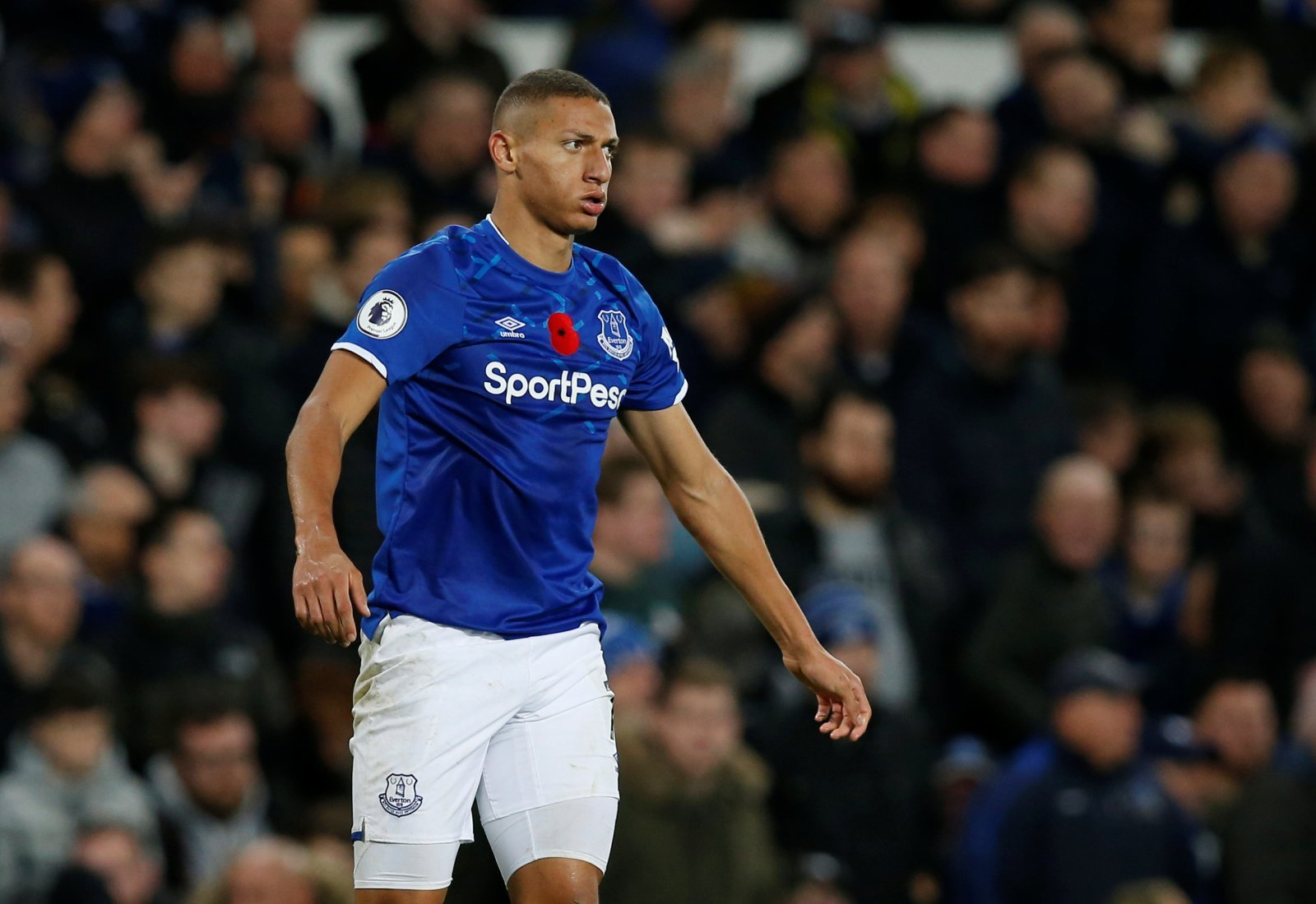 Everton: Fans take aim at journalist after criticising Richarlison for possessing 'theatrics'