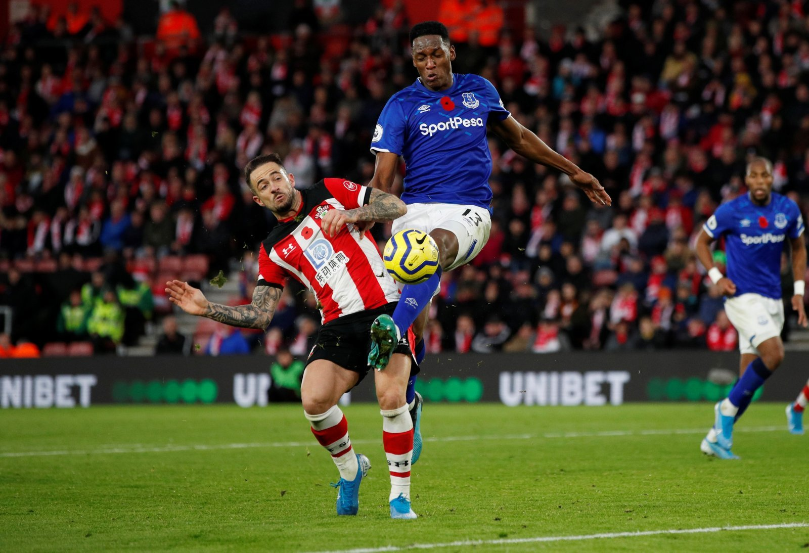 Everton: Fans praise Yerry Mina for kind gesture after Southampton victory