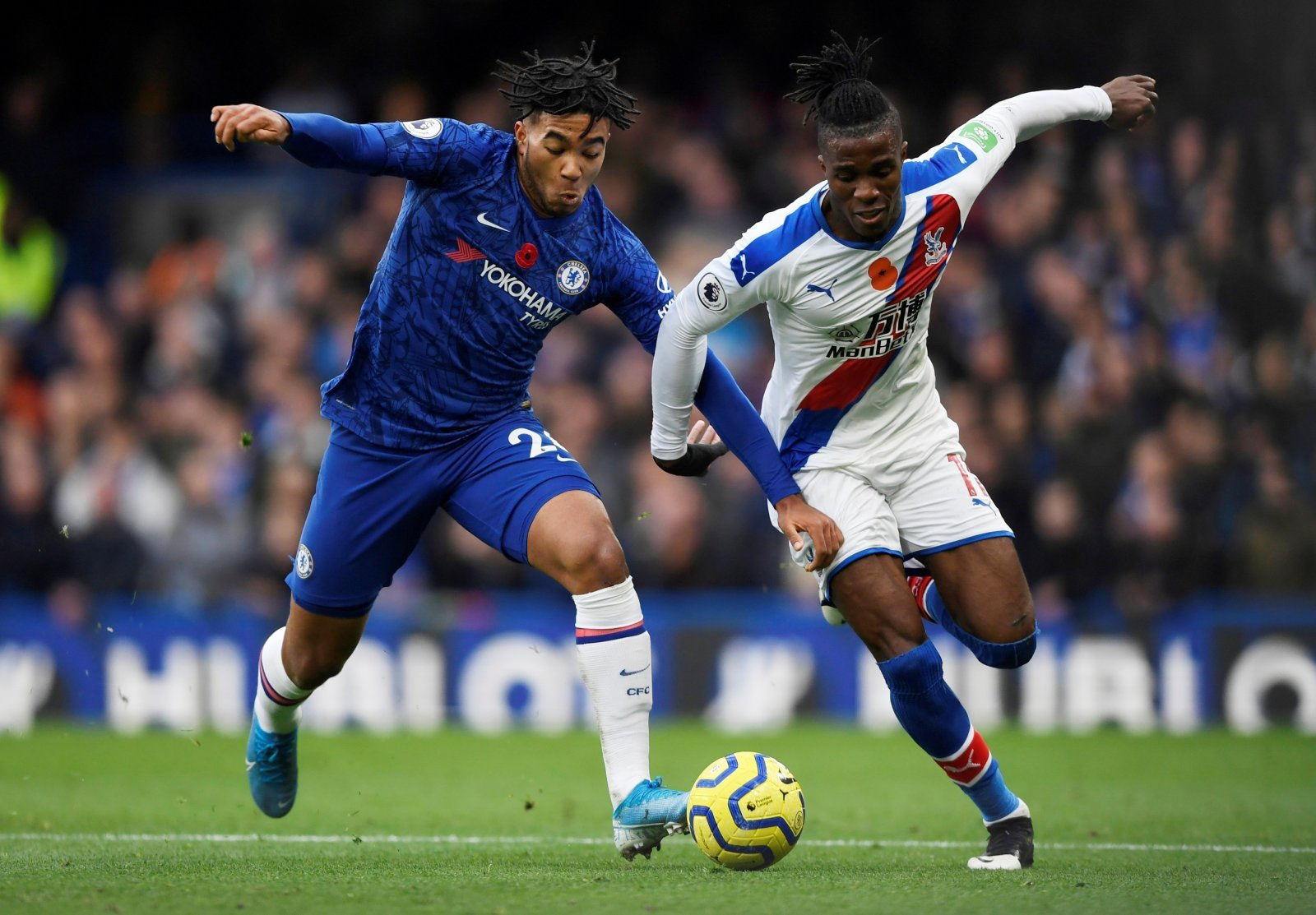 Crystal Palace: Chelsea fans stick boot in on Zaha on his special day