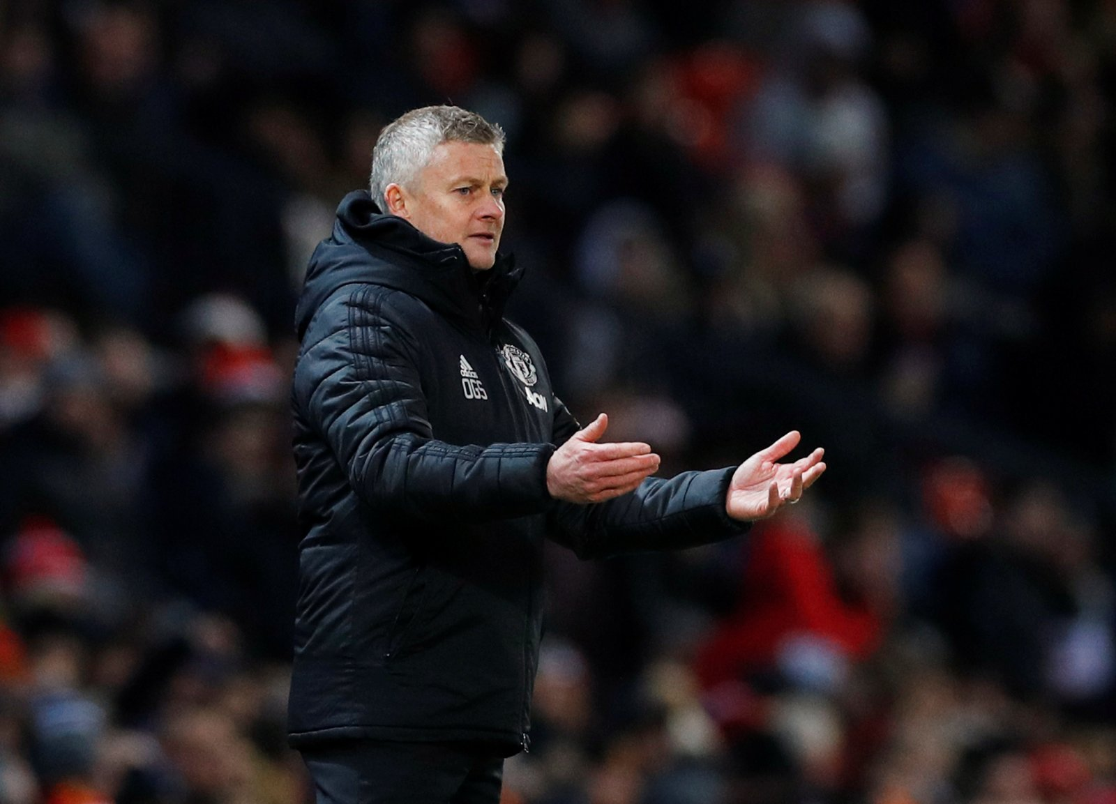 Manchester United: Fans slam Ole's 'mad' left-back swap decision in Aston Villa draw