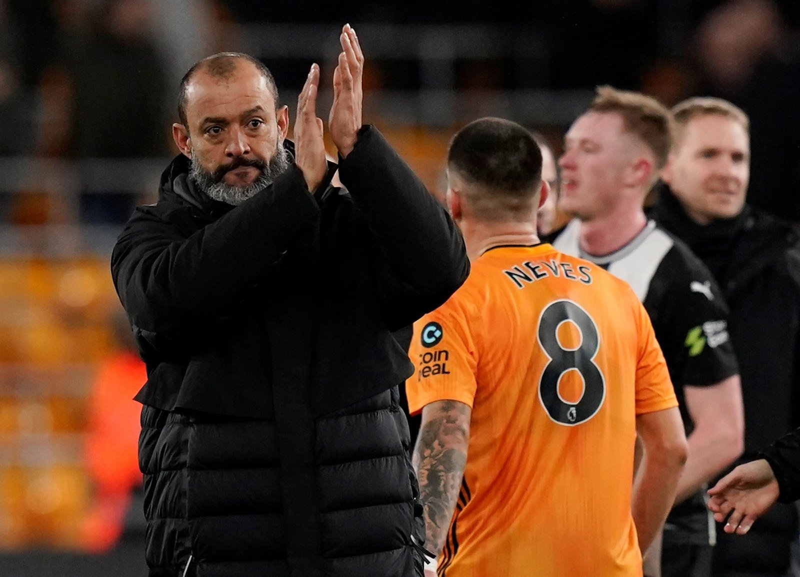 Wolves: Loads of fans disagree with Nuno over performance vs Man United